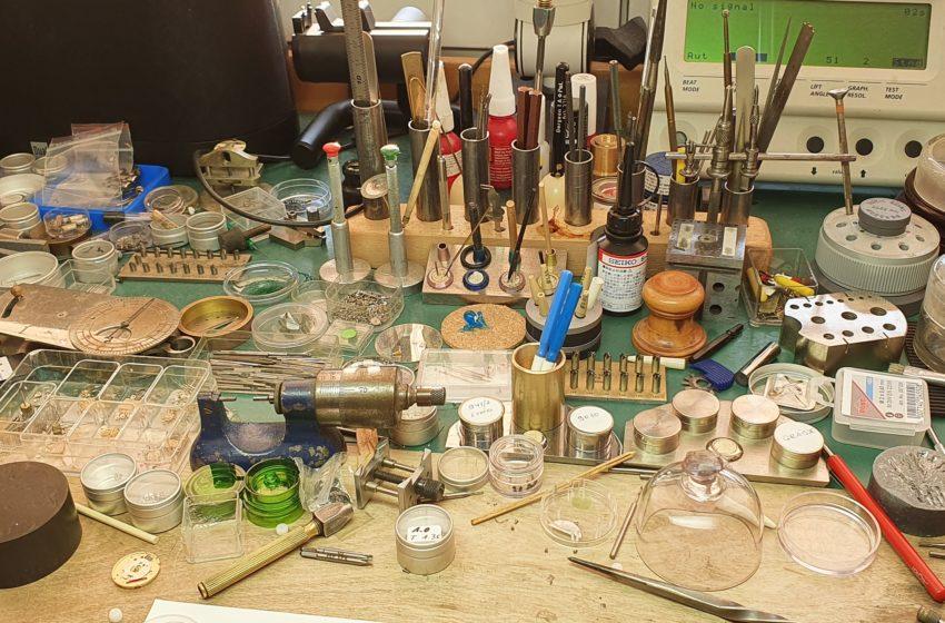 Fatras d'outils horlogers